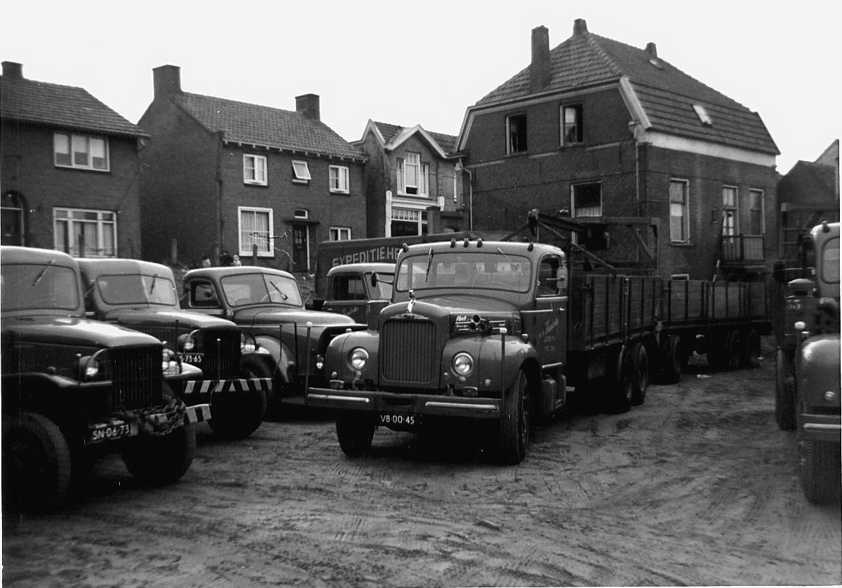 Hendriks-Lobith-Mack-B43S-B61S-VB0045