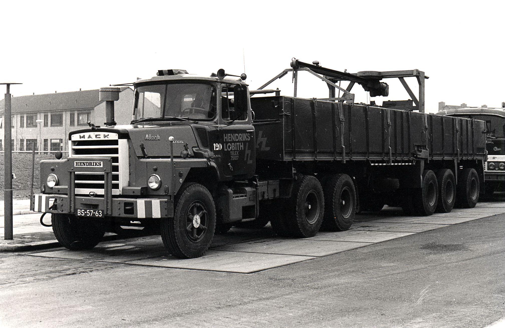 Hendriks-Lobith-Mack-DM609-S-BS5763