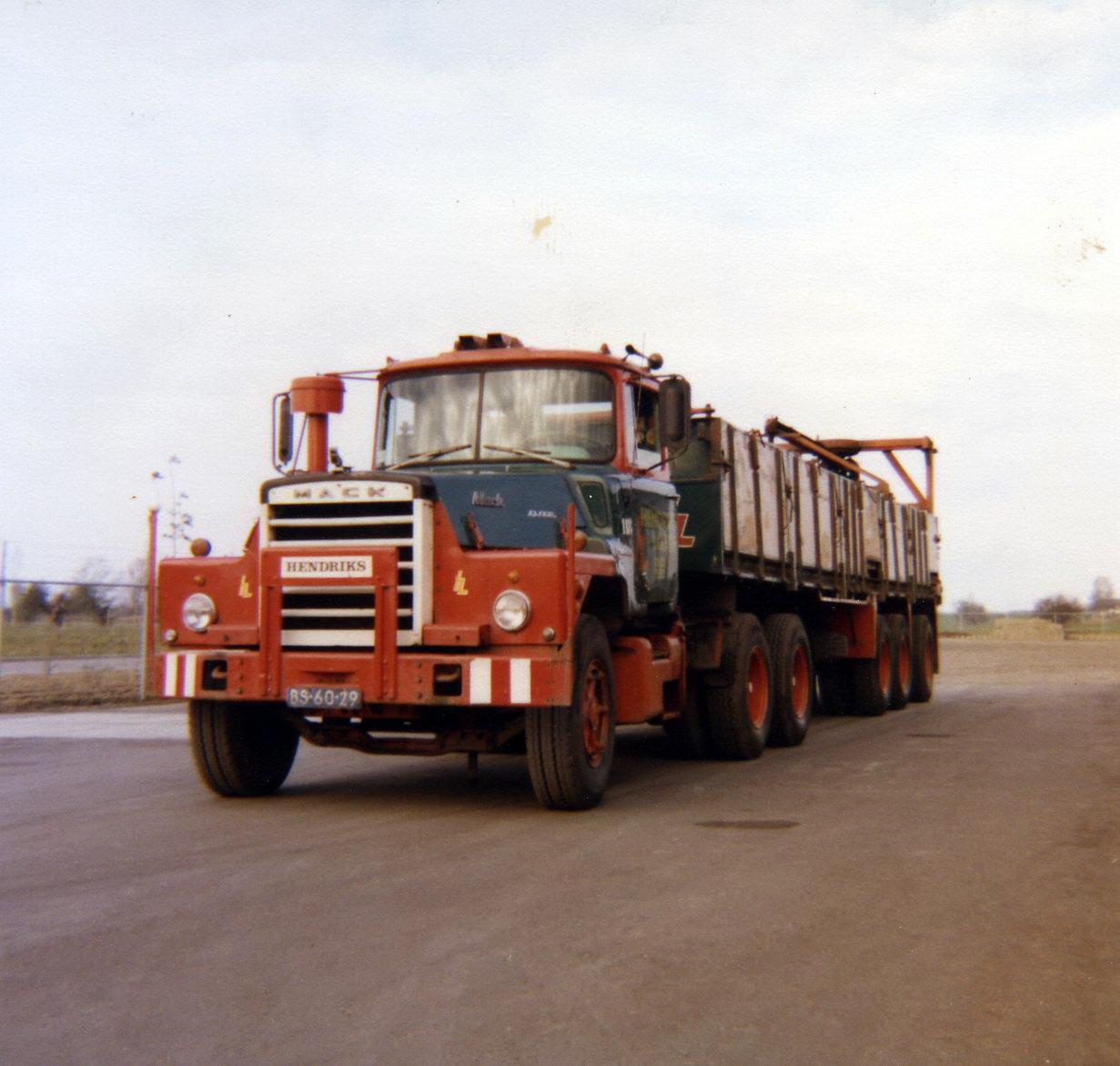 Hendriks-Lobith-Mack-DM609-S-BS6029