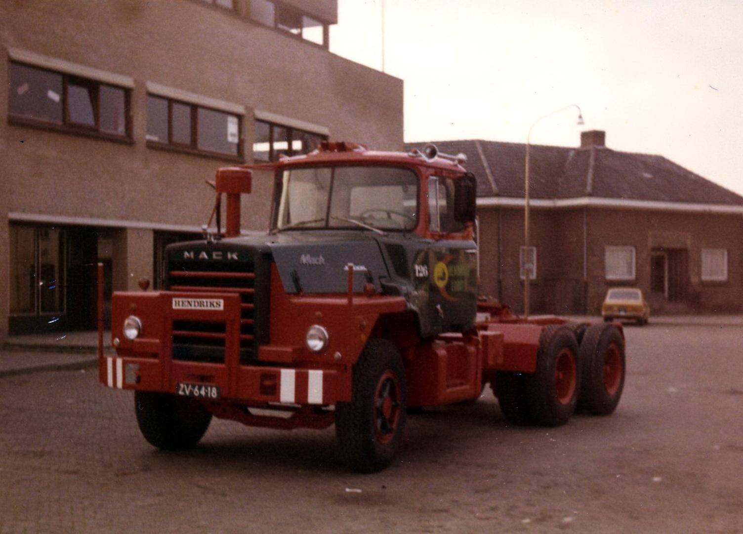 Hendriks-Lobith-Mack-DM609-S-ZV6418-2