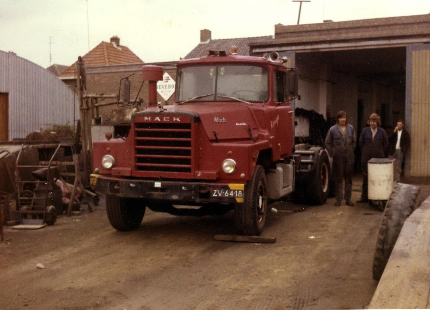 Hendriks-Lobith-Mack-DM609-S-ZV6418