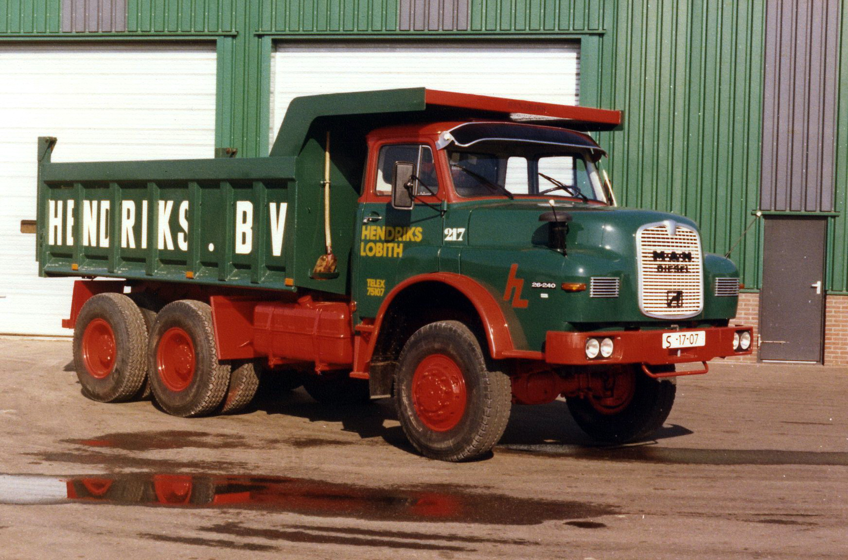 Hendriks-Lobith-MAN-26.240-S1707