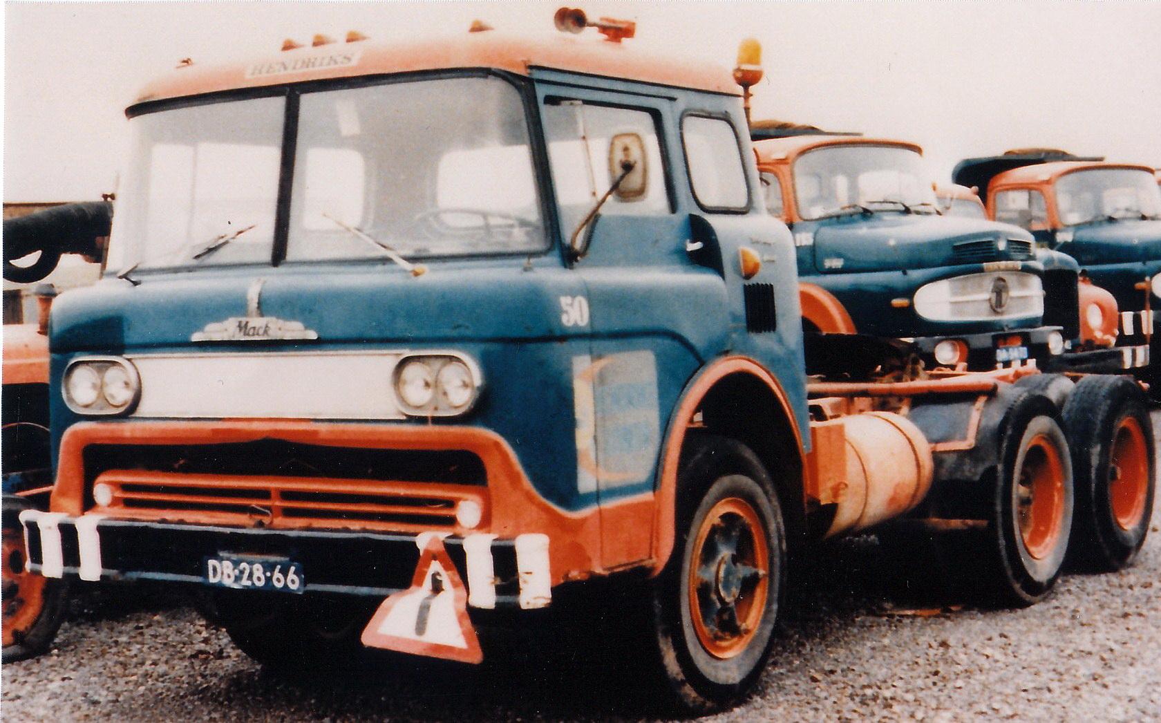 Hendriks-Lobith-Mack-N61-DB2866