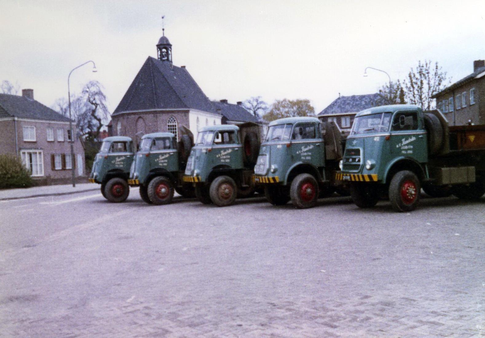 Hendriks-Lobith-5x-DAF-1900-6