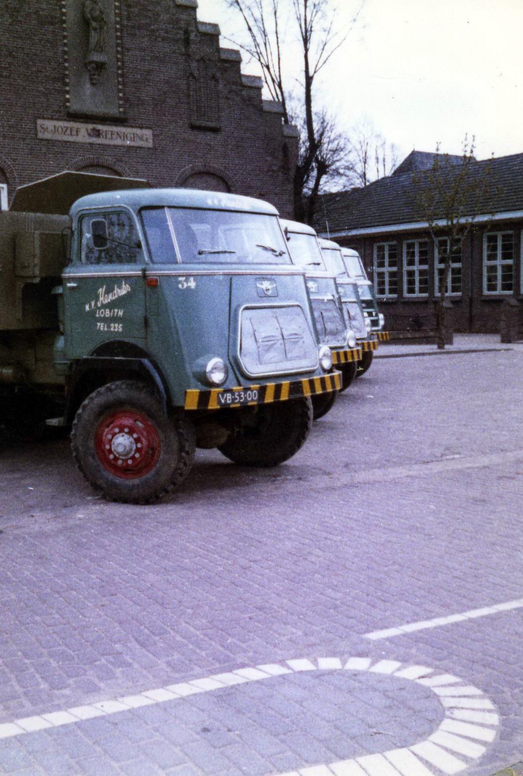 Hendriks-Lobith-5x-DAF-1900-8