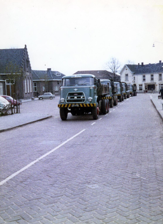 Hendriks-Lobith-5x-DAF-1900-9