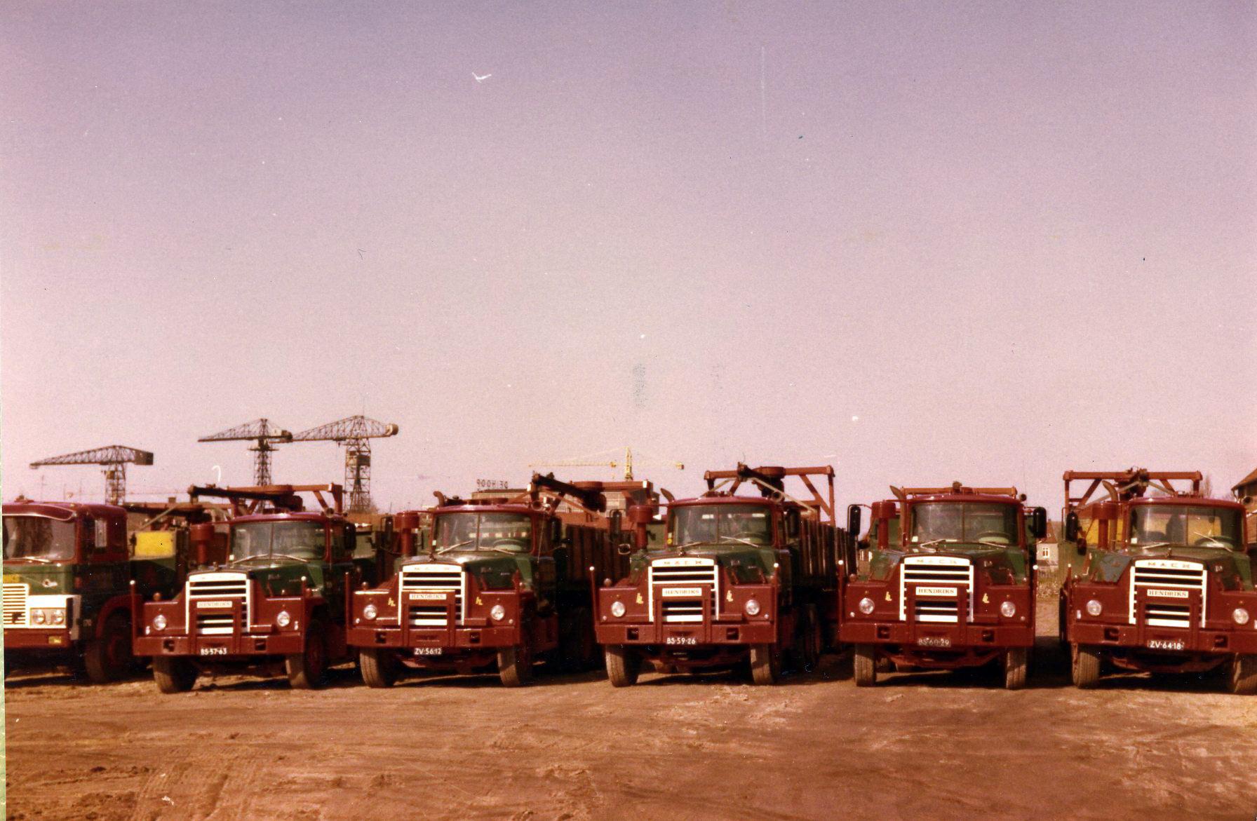 Hendriks-Lobith-5x-Mack-DM609-S