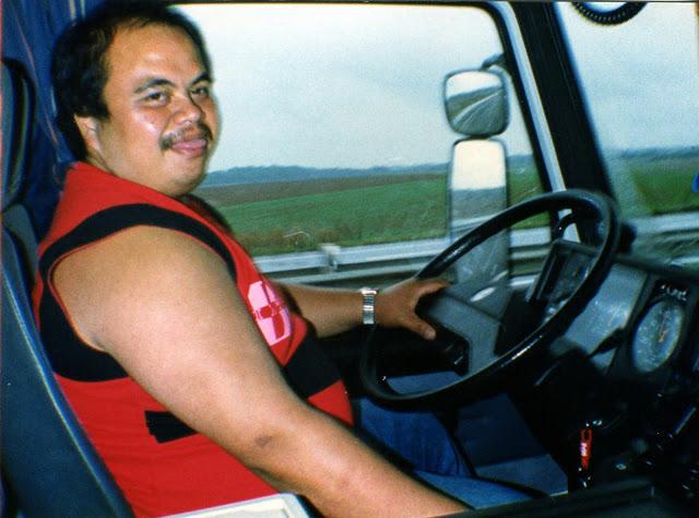 John-in-de-Scania-als-chauffeur-natuurlijk