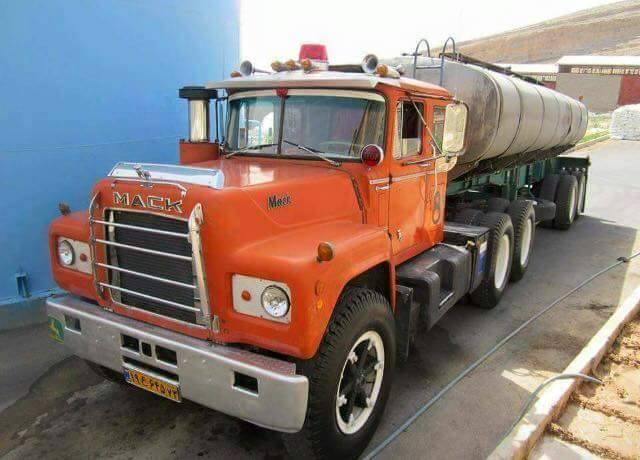 Mack-6X4-tankwagen