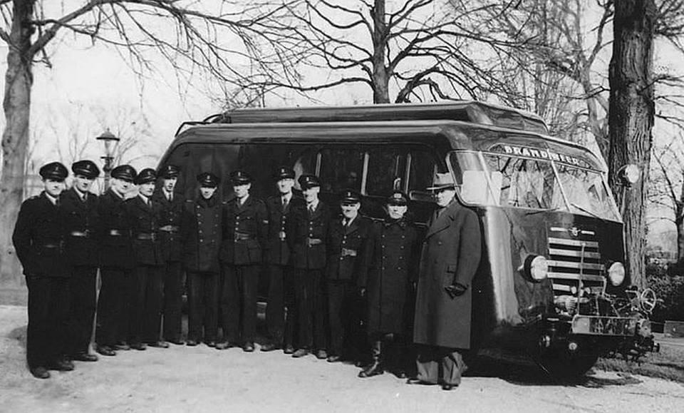 DAF-de-eerste--brandweer-wagen-1950-Leeuwarden