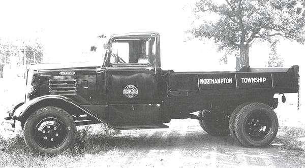 1935-OshkoshJ-Series-4X4-Dump-Truck