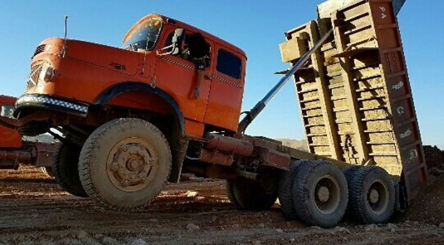 Mercedes-6X4-Dumper