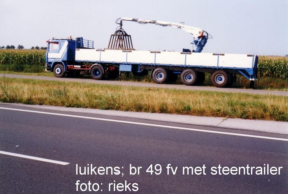br-49-fv-met-zwalve-steentrailer-en-kennis-kraan