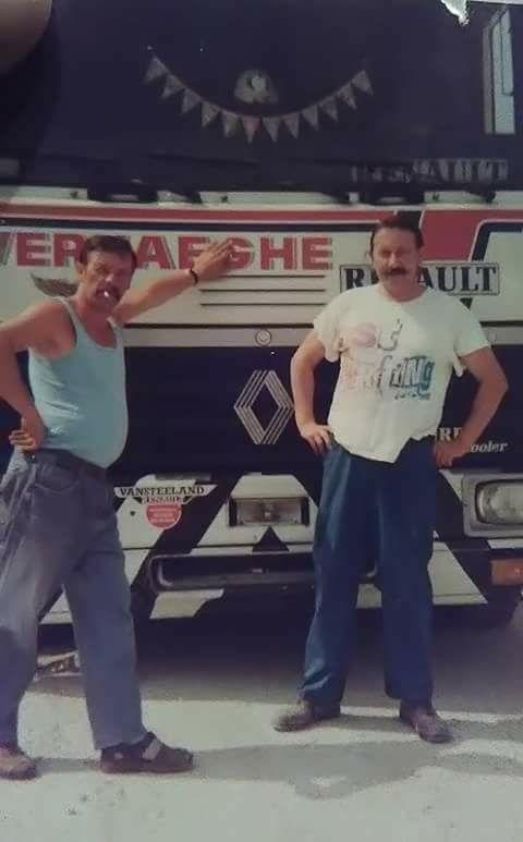 a-links-ronny-loosveld-die-als-vriend--van-andre-de-kist-op-de-vrachtwagen-vervoerde.