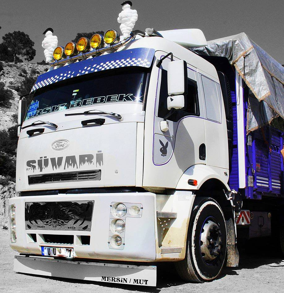 Ford-Cargo-1