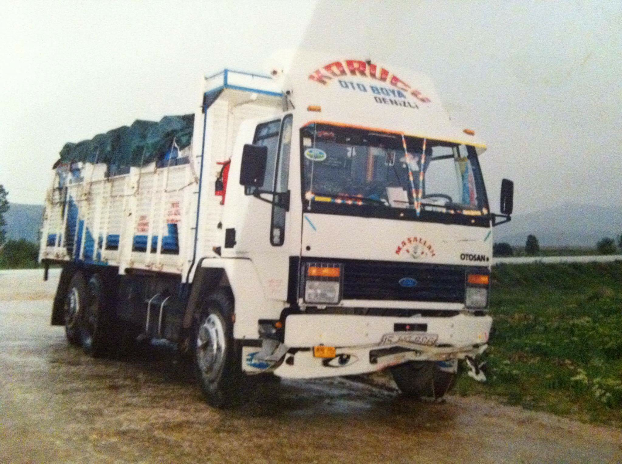 Ford-Cargo-3