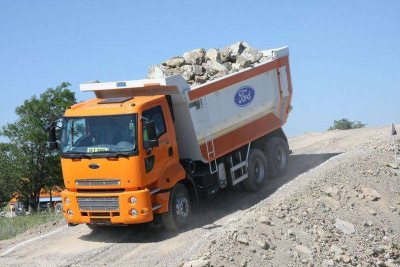 Ford-Cargo-9
