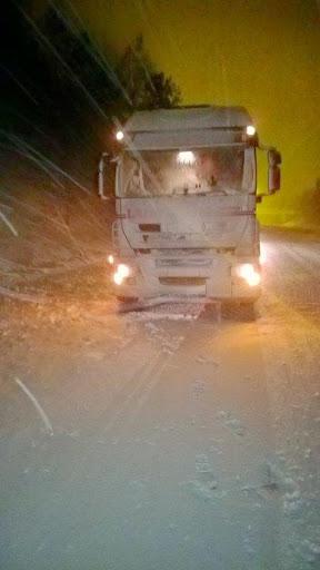 Iveco-in-de-sneeuw-Hub-Knols-27-12-2014