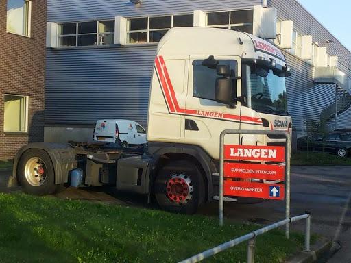 Scania-van-Jan-bij-het-kantoor