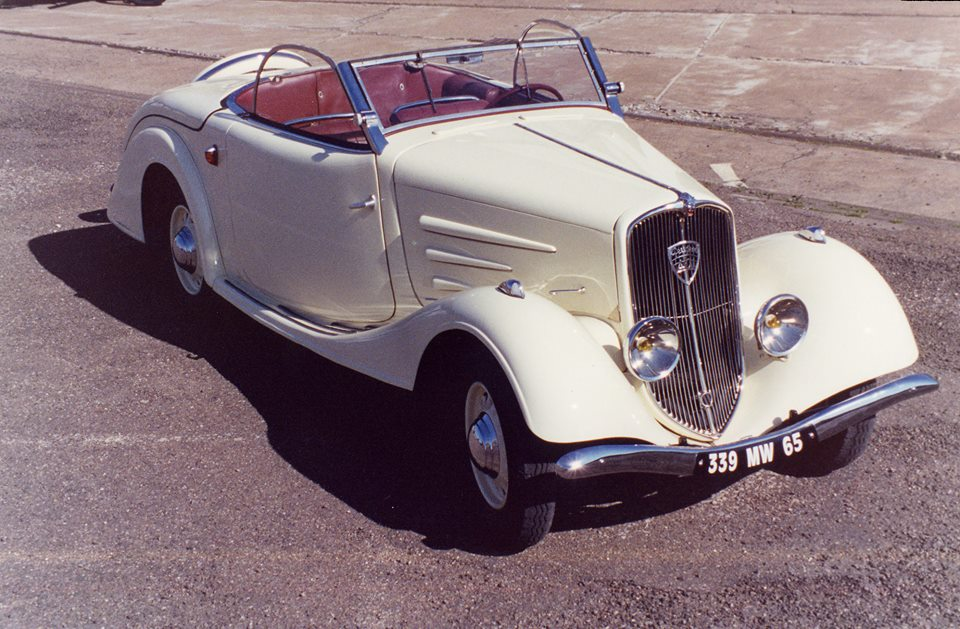 Peugeot-401-met-kanteldak