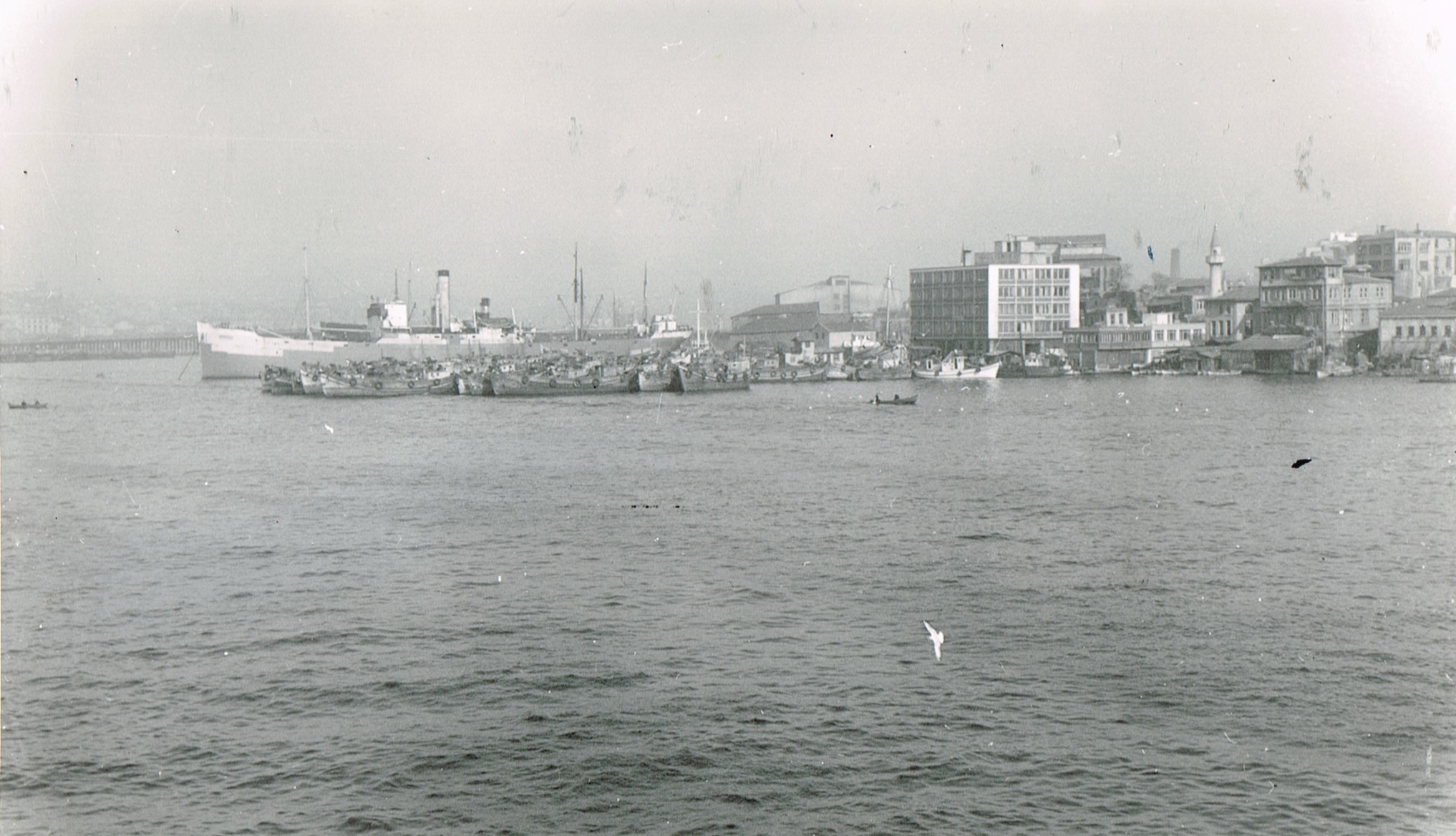 Ferry-Istanbul-1965-10