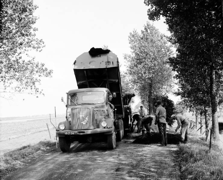 Henschel-1968-Hoven-transport-Sint-Maartenpolder