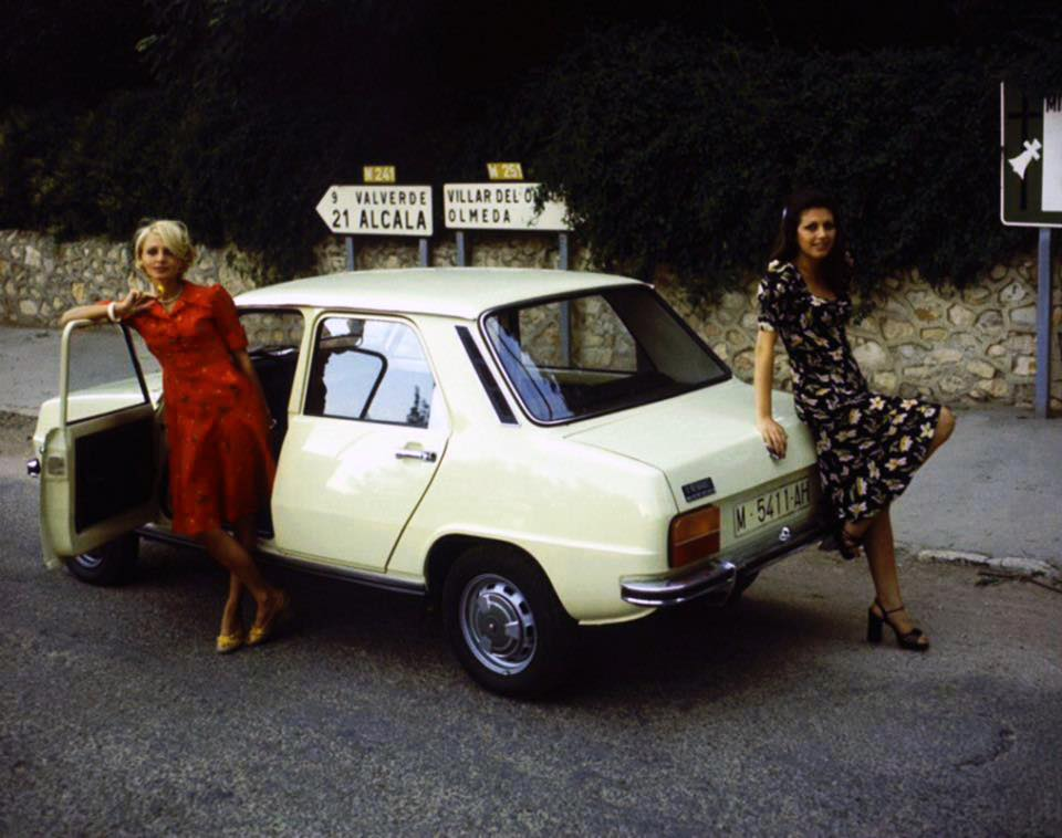 Renault-Site-1974-Spaans-variant-met-koffer-eraan-3
