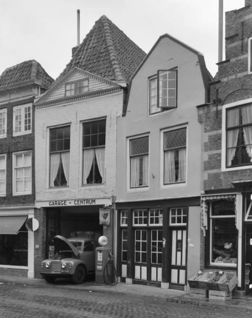 Garage-Centrum-Vlasmarkt-Middelburg-1962--met-Commer