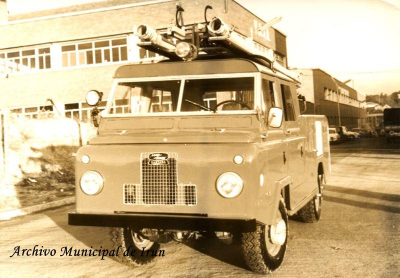 Lolo-Ruiz-Land-Rover