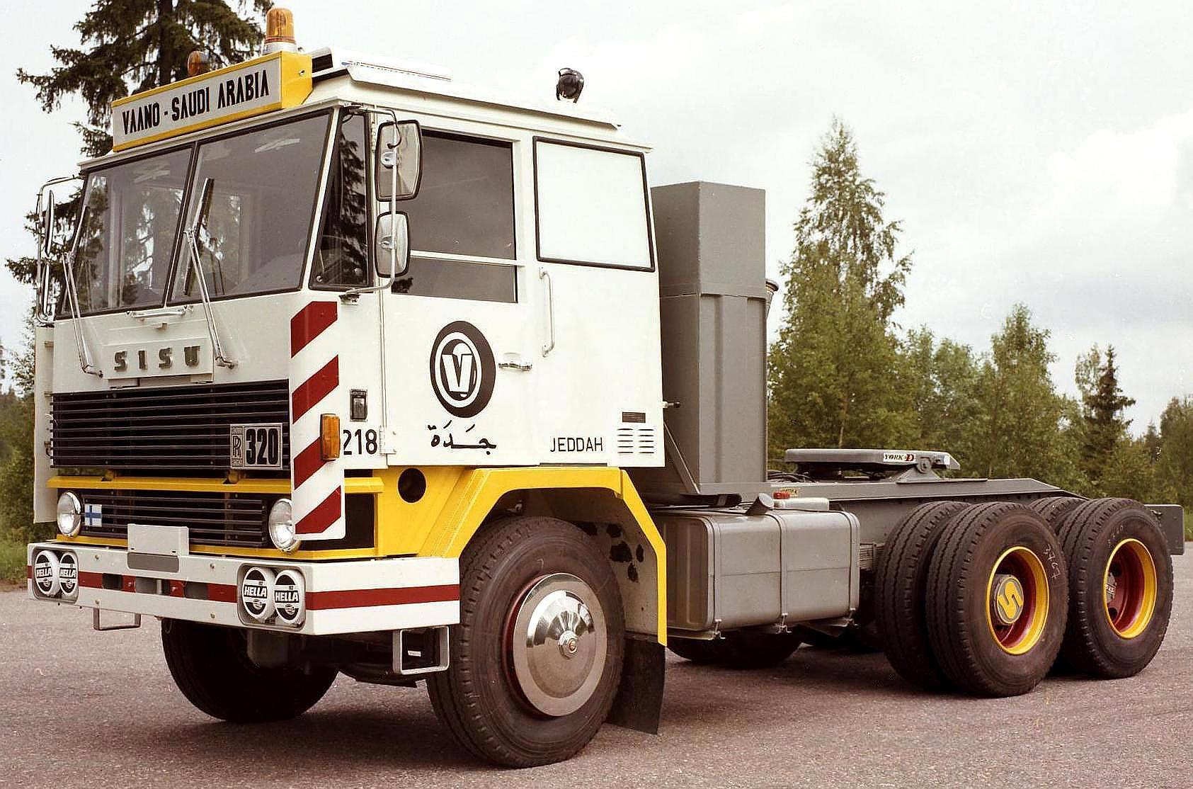 Sisu-M-162-CZT-6X2-1976_84-324-PS-12-2-Ltr-Rolls-Royce-MK-III-Turbo