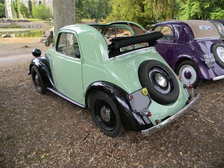 Simca-5-Coupe-Decouvrable-Grand-Luxe-arriere