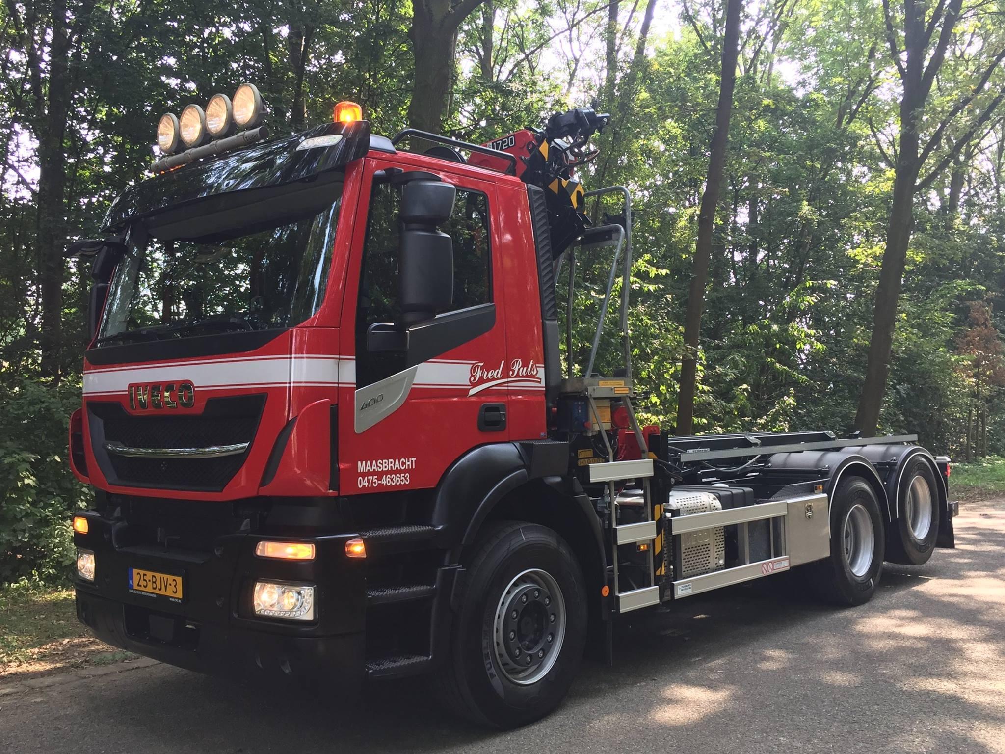 Iveco-Stralis-6X2-400