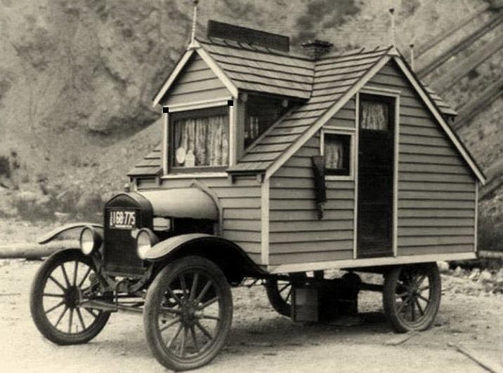 Ford--T--eerste-fabriekscamper1910