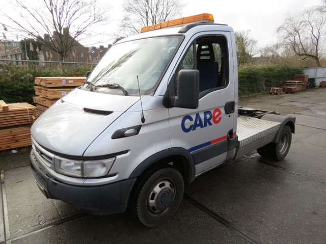 Iveco-Daily-40C-14-300