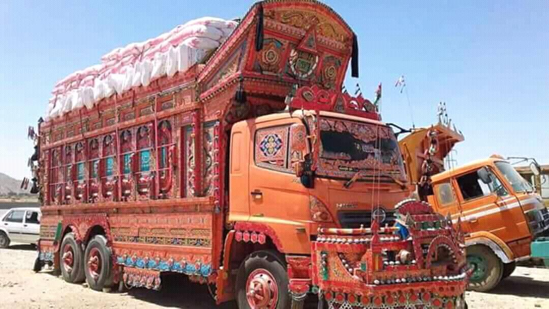East-Trucks-1