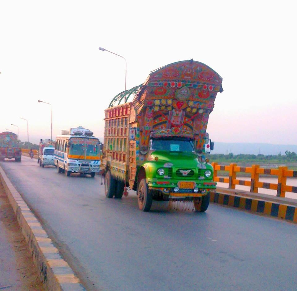 East-Trucks-11