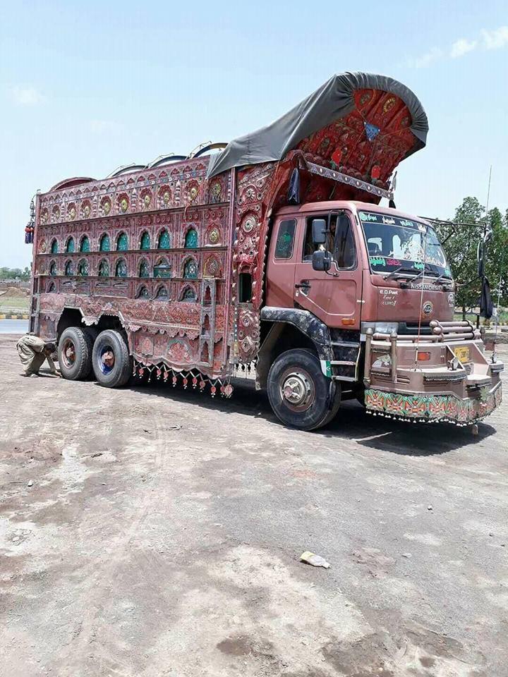 East-Trucks-13