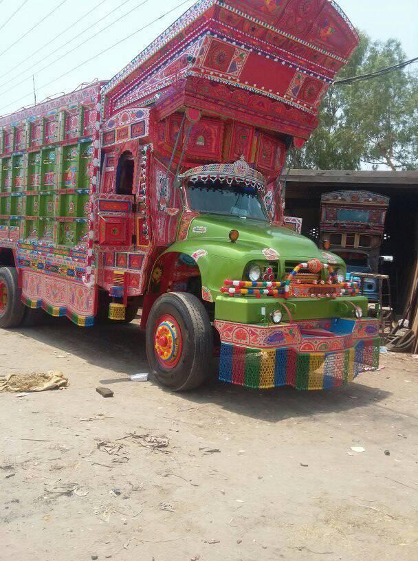 East-Trucks-2