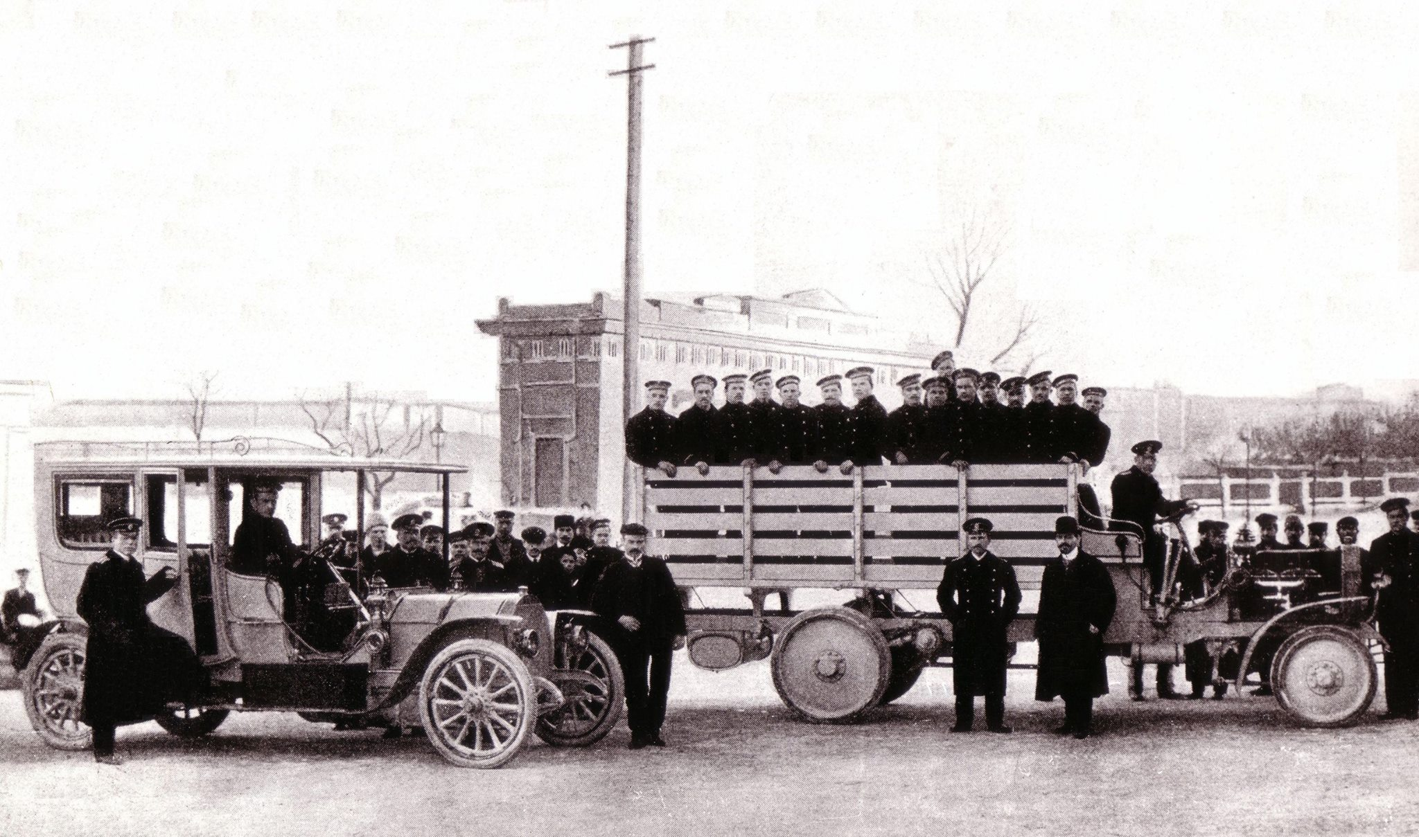 FIAT-car-and-truck-in-Sebastopol-1910