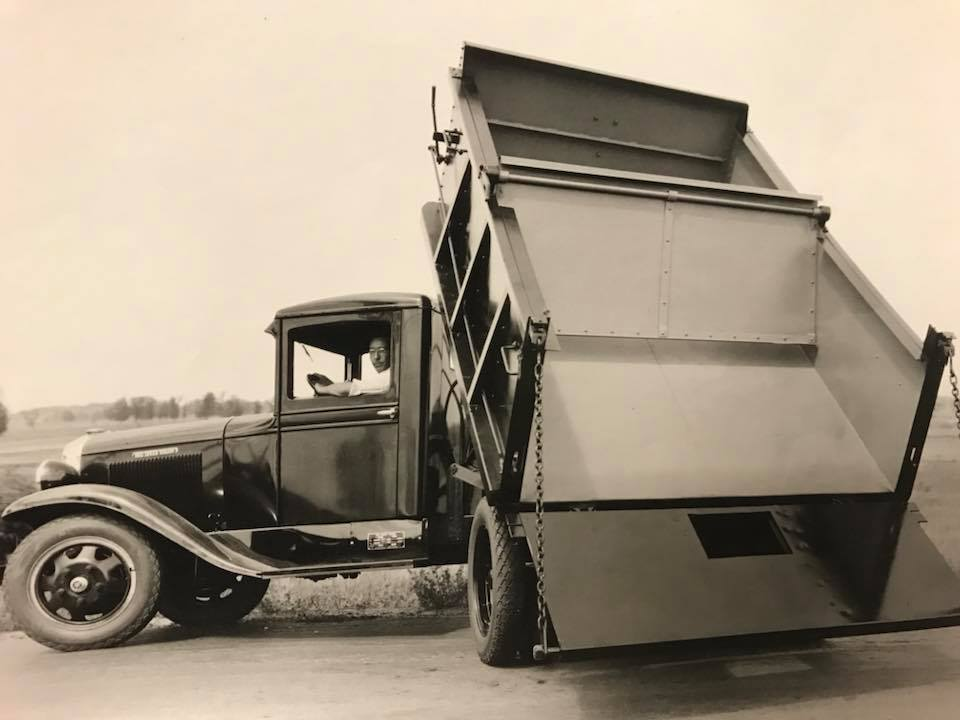 REO-Speed-Wagon-1930-2[1]