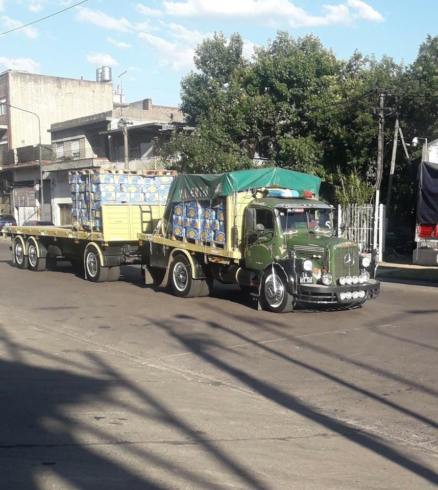 Mercedes-Buenos-aires-argentinie-ace-twee-dagen-op-de-markt-februari-3-is-nog-steeds-perfect