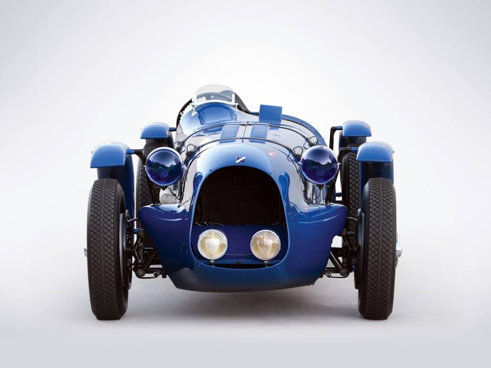 Talbot--Lago-T150C-SS-Roadstar-carr-Figoni_Falaschi-1938-4[1]