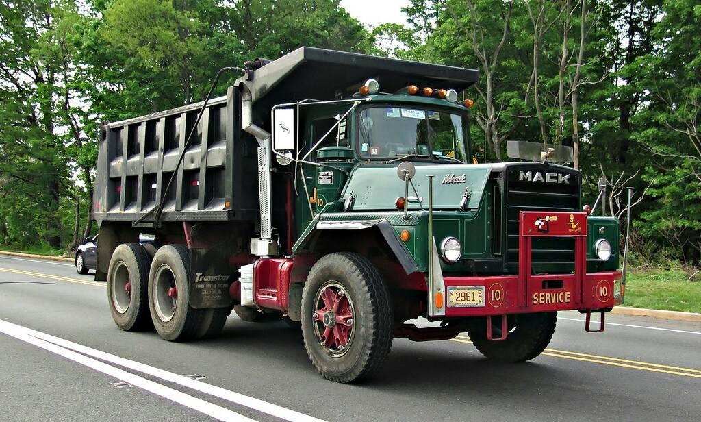 Mack-Brasil-6X4