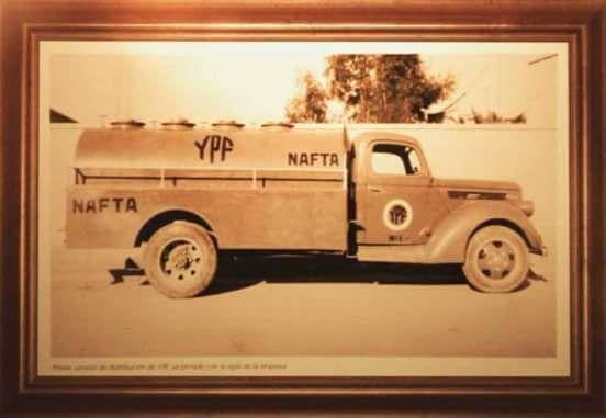Eerste-truck-truck-naar-de-dienst-van-ypf--jaar-1938-Argentina
