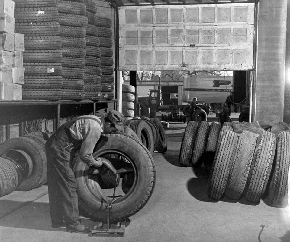 Onil-Beaulieu--Tube-type-tires-at-rare-now-I-still-have-a-few-on-a-autocar-1100-22-and-some1200-24