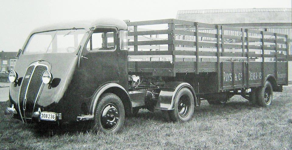 Renault-208