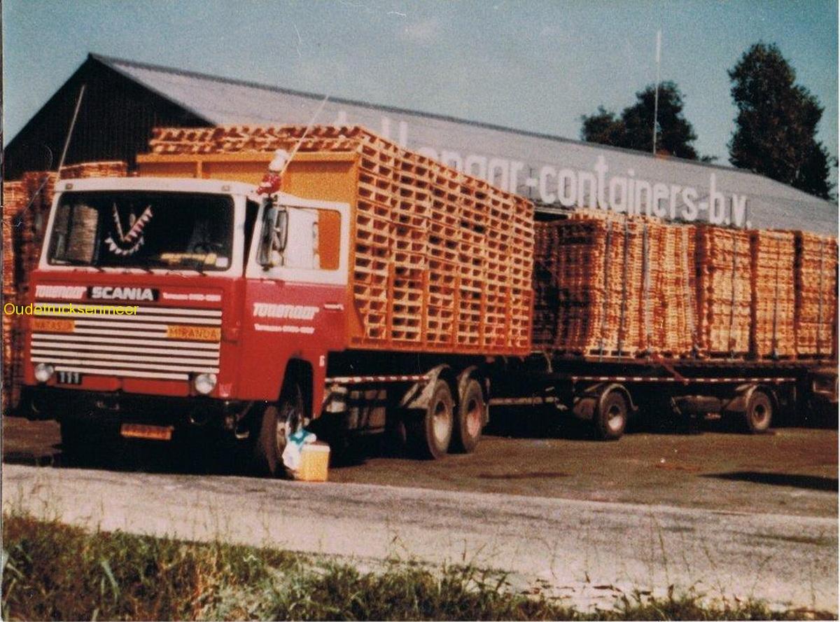 Scania-111--chauffeur-op-deze-wagen-was-de-heer-W--de-Jonge-uit-Terneuzen-en-heeft-erop-gereden-van-1982---1987