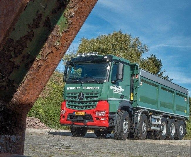 91-BLJ-3--Mercedes-Benz-Arocs-4748LK-10x46-