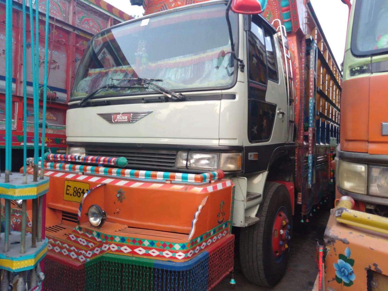 Hino-truck-1