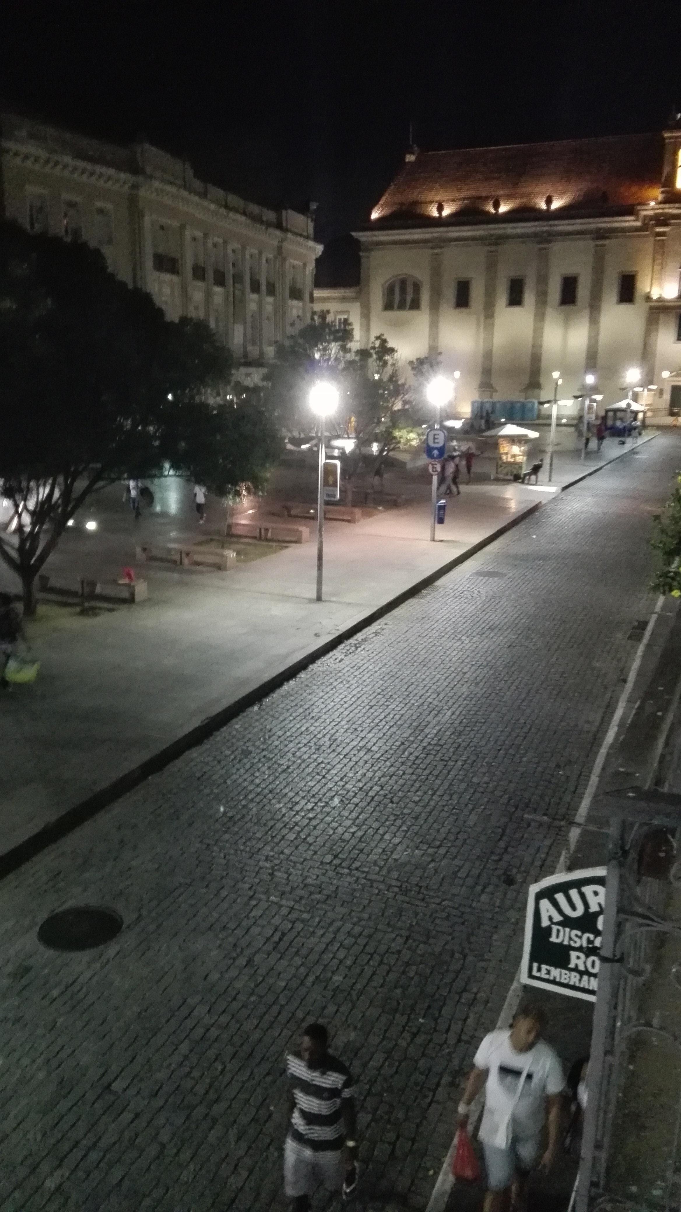 hotel-in-Salvador-waar-je-beter-niet-na-18.00-niet-meer-buiten-kon-komen-4